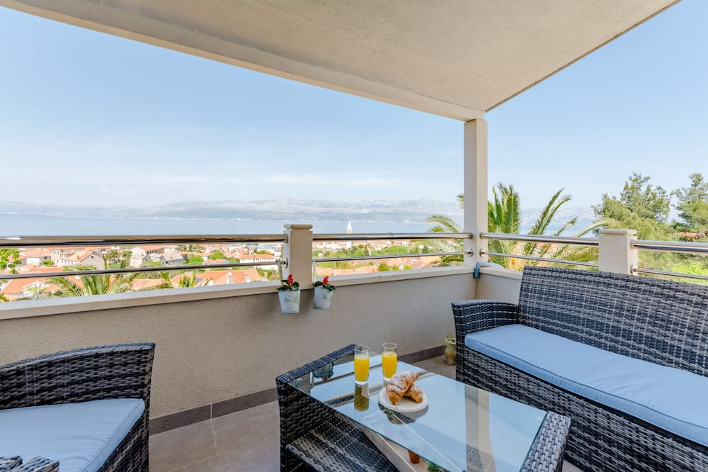 Apartment (Two Bedroom Apartment - Sea View and ) - Terrace/Patio
