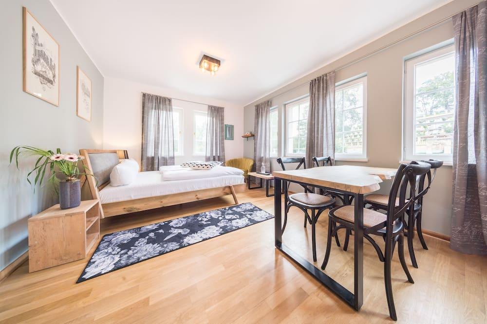 Basic Room - Ruang Tamu