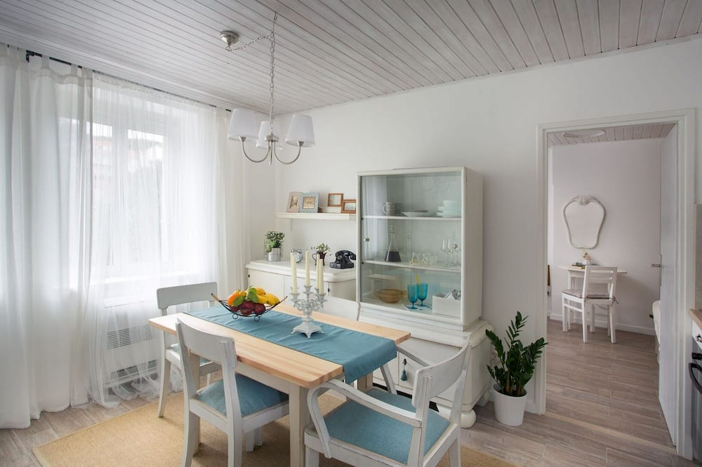 Apartment (One-Bedroom Apartment with Terrace) - In-Room Dining