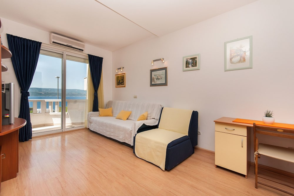 Apartment (Three Bedroom Apartment - Balcony and) - Living Room
