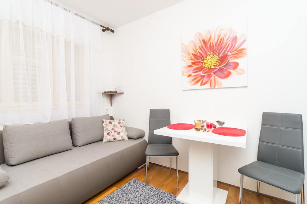 Apartament (One Bedroom Apartment with Terrace) - Salon