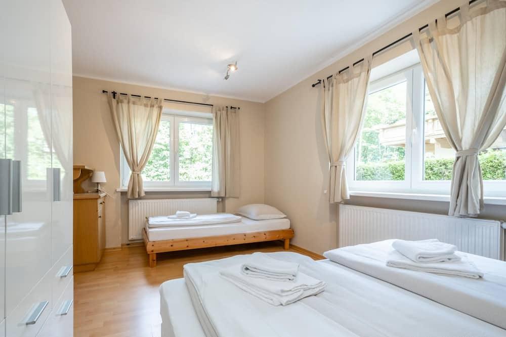 Chalet (Multiple Bedrooms) - Room