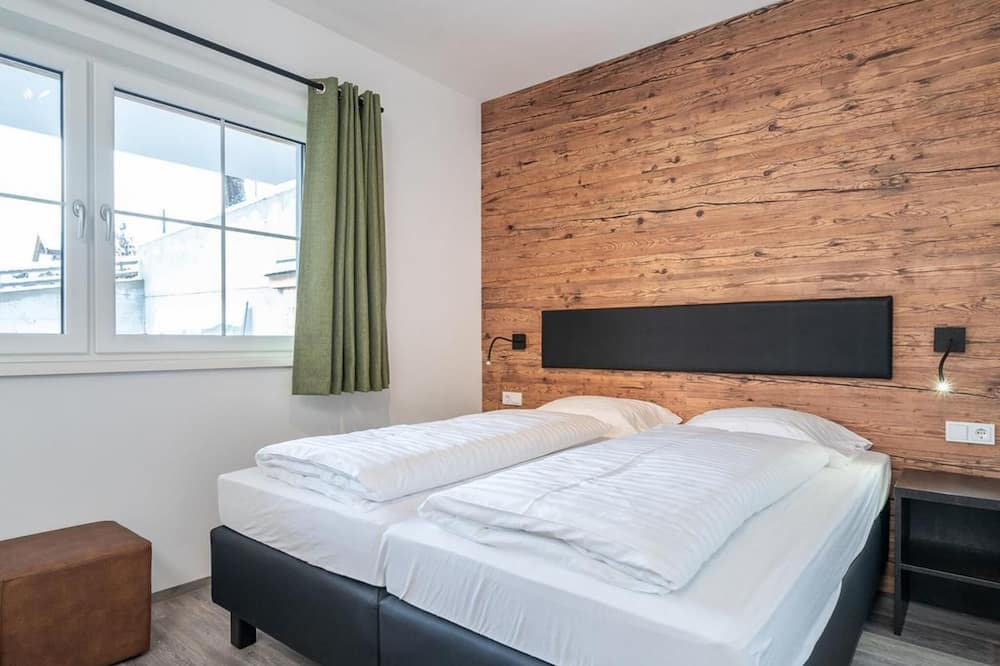 House (3 Bedrooms) - Room