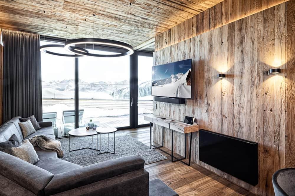 Chalet (1 Bedroom) - Living Room