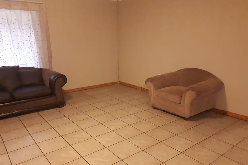 Deluxe Double Room - Ruang Tamu