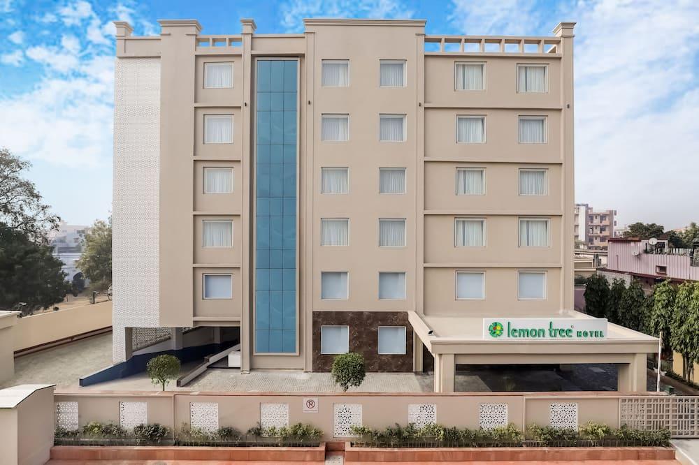 Lemon Tree Hotel Aligarh