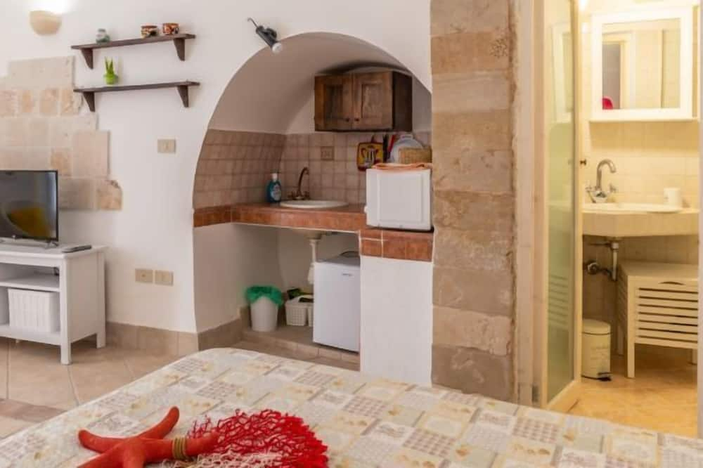 Studio - Private kitchenette