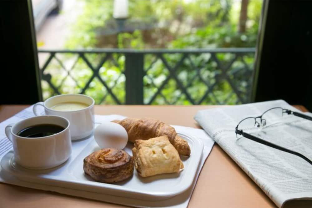 Breakfast Included Single 2 Person Plan Nonsmo / Chuo-ku Tokyo, Tokyo
