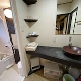 Economy House, Non Smoking, Kitchen - Bathroom