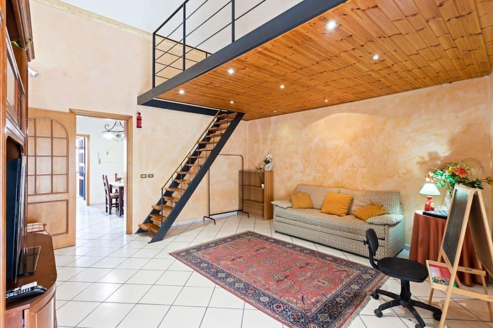 Castello Ursino Balcony Apartment