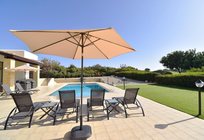 Villa Inia on Aphrodite Hills , 庫克利亞, 奢華別墅, 露台
