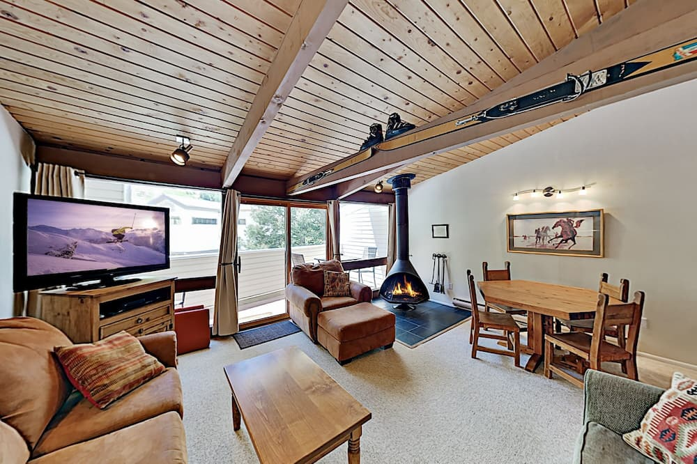 Sierra Del Sol Ski-in&out Townhome & Hot Tub 1 Bedroom Condo