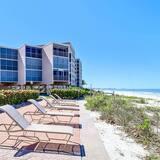 Condo (25850 Hickory Blvd #205) - Pantai