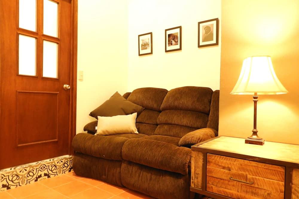 คอมฟอร์ทอพาร์ทเมนท์, 1 ห้องนอน, ห้องน้ำส่วนตัว - พื้นที่นั่งเล่น