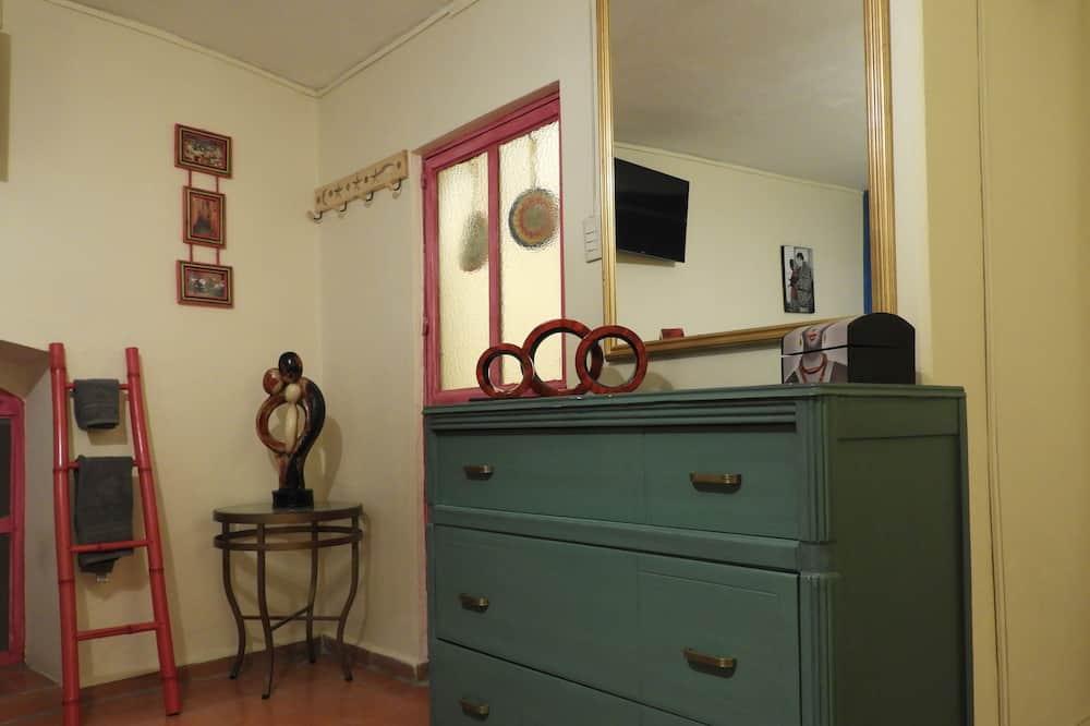 ห้องคอมฟอร์ท, เตียงใหญ่ 2 เตียง, ห้องน้ำส่วนตัว (Frida) - พื้นที่นั่งเล่น