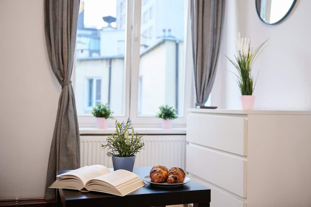 อพาร์ทเมนท์, 1 ห้องนอน, ห้องครัว - ห้องนั่งเล่น