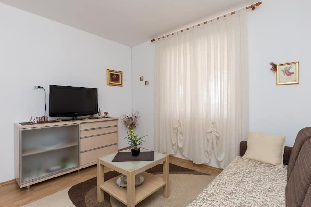 Apartment (Two-Bedroom Apartment with Terrace) - Living Room