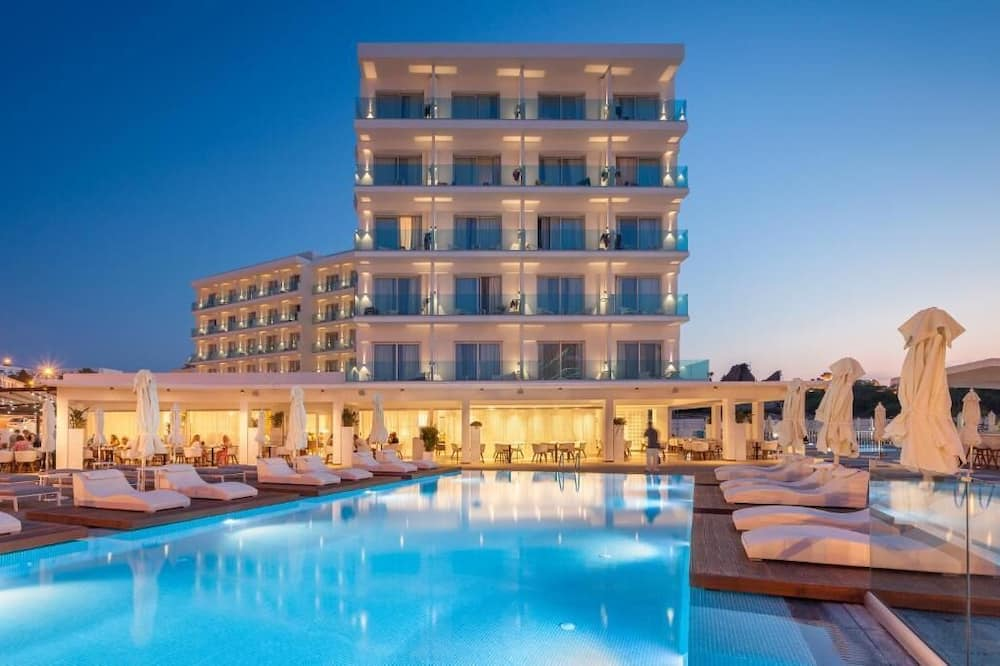 The Blue Ivy Hotel and Suites, Protaras