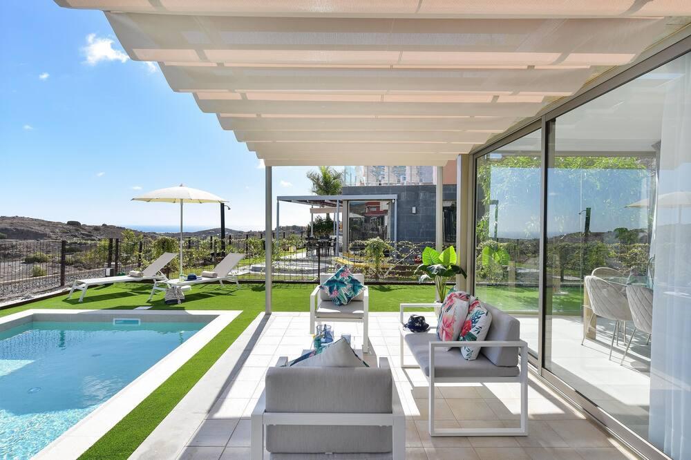 Design Villa (2 Bedrooms) - Teras/Veranda