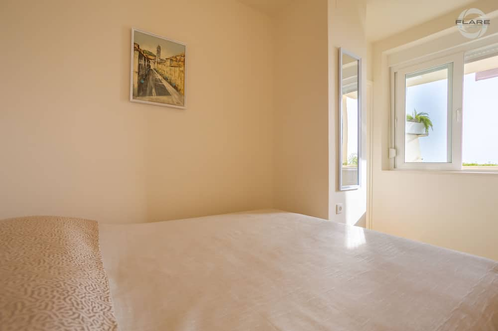 Apartment (One bedroom apartment with balcony an) - Room
