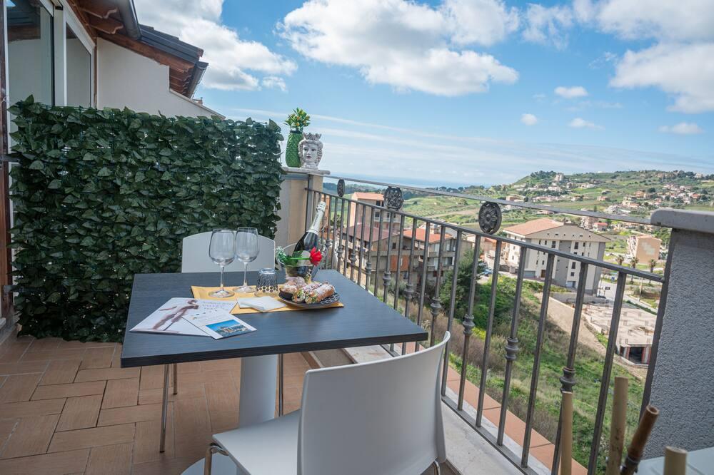 Luxusní pokoj s dvojlůžkem, balkon - Výhled z balkonu