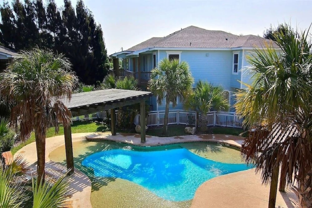 Townhome, 3 Bedrooms - Pool