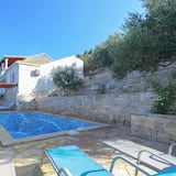 Huis (Four Bedroom House with Pool) - Zwembad
