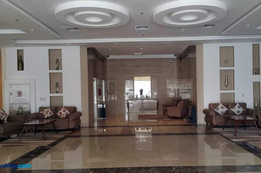 Гостиная в вестибюле