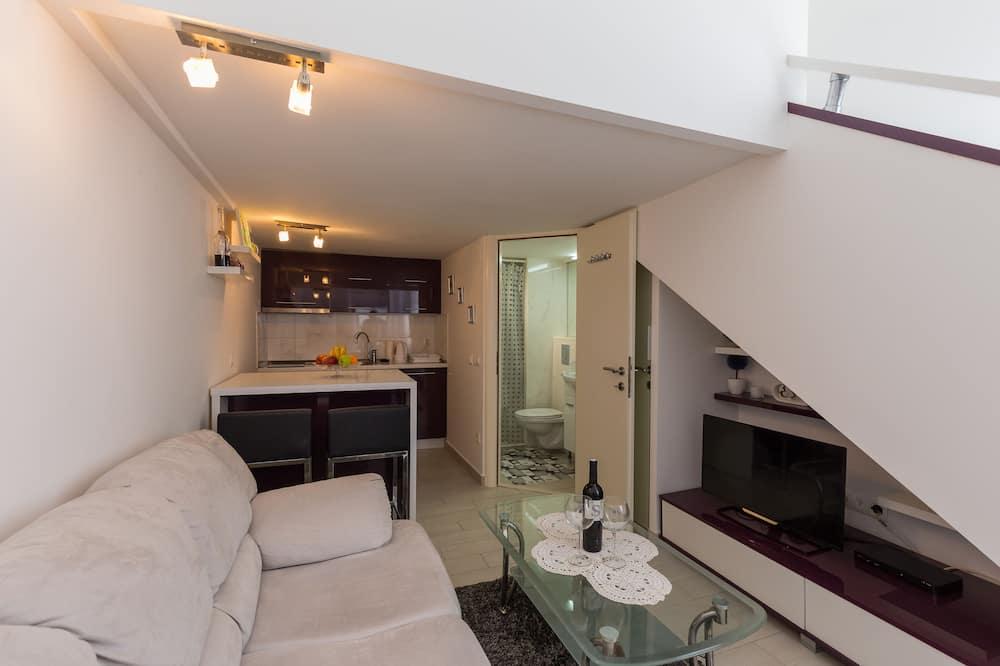 Studio (Studio Apartment with Sea View) - Living Room