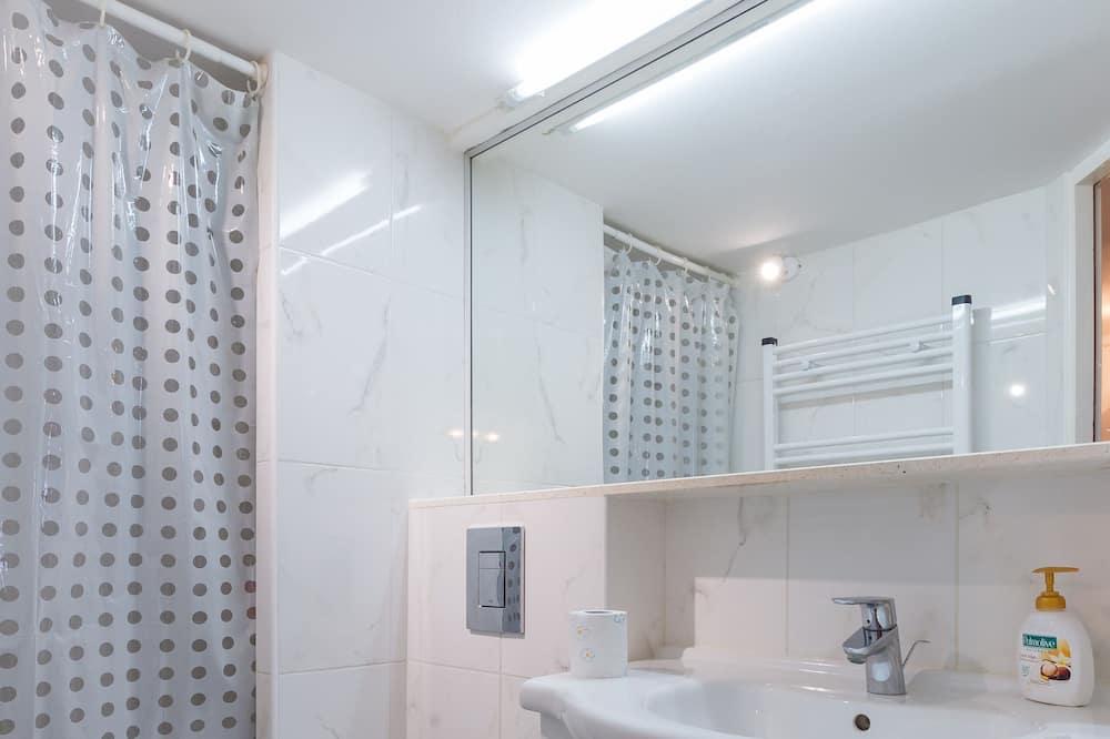 Studio (Studio Apartment with Sea View) - Bathroom