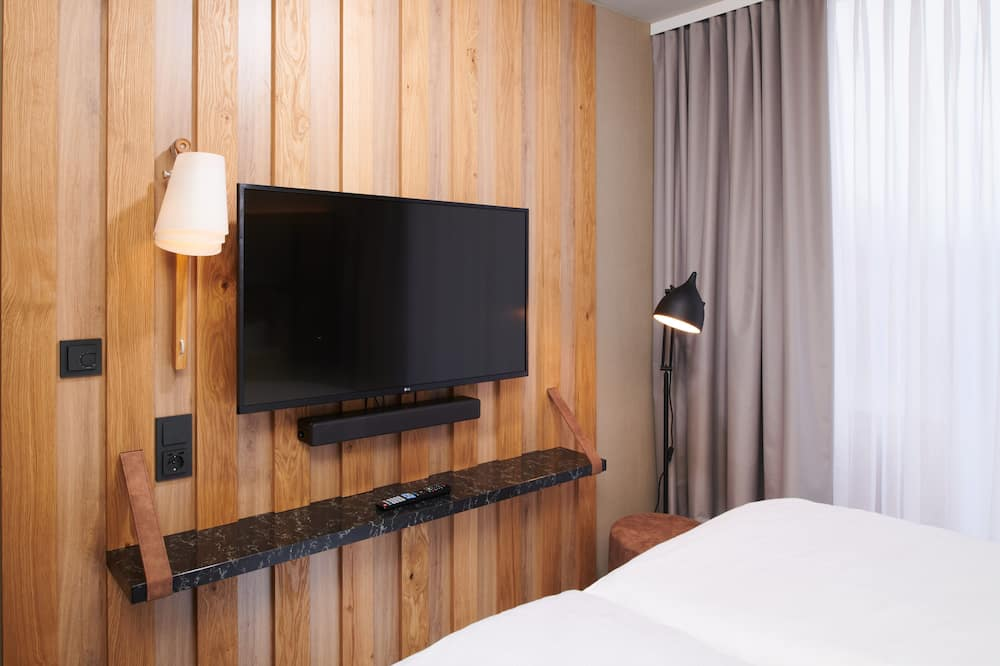 Superior Double Room - Television