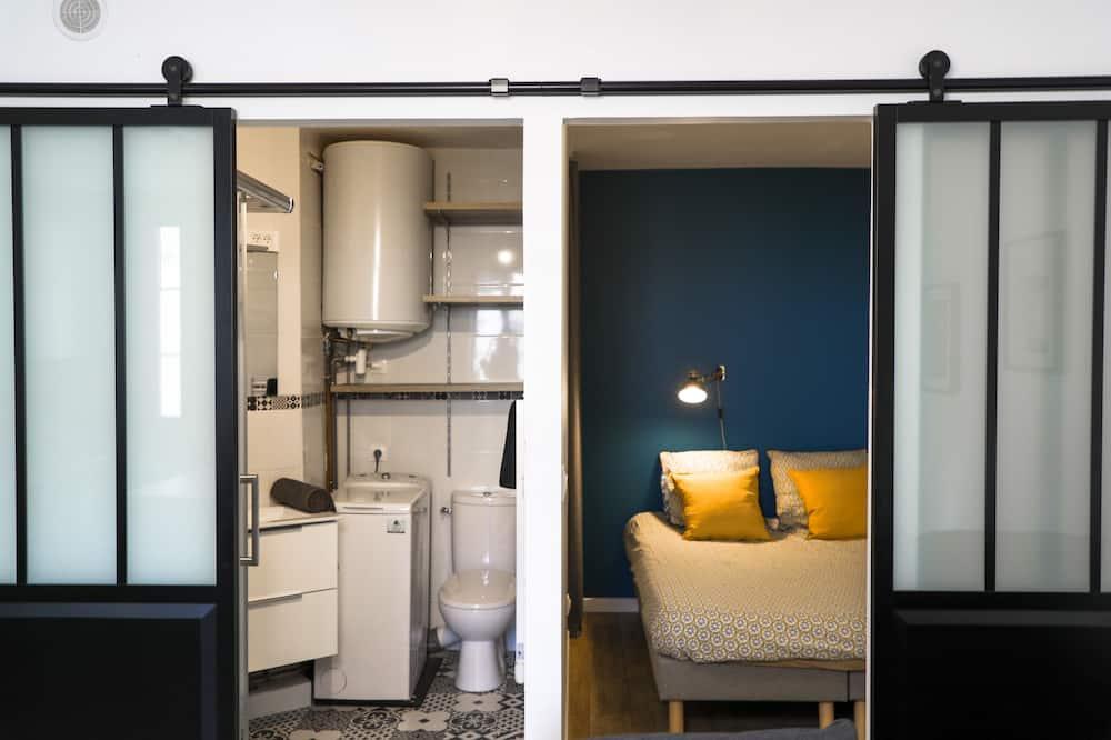 Comfort Apartment, Ensuite, City View - Lounge