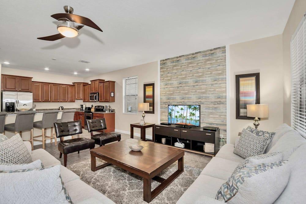 Modern Home, Big Pool Area Near Disney, CDC Cleaning 4cg456