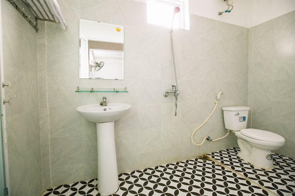 ห้องเบสิกทริปเปิล - ห้องน้ำ