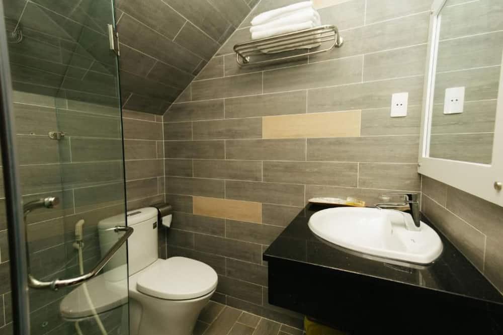Two-Bedroom Apartment - Bathroom