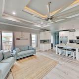Lavish Coastal New-build Stroll 3 Mins To Beach 3 Bedroom Home
