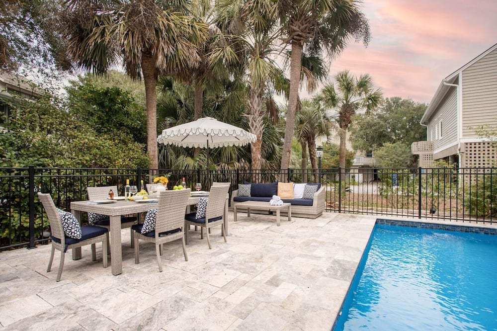 House, Multiple Beds (Pelican - Modern Beach Retreat w Pati) - Pool