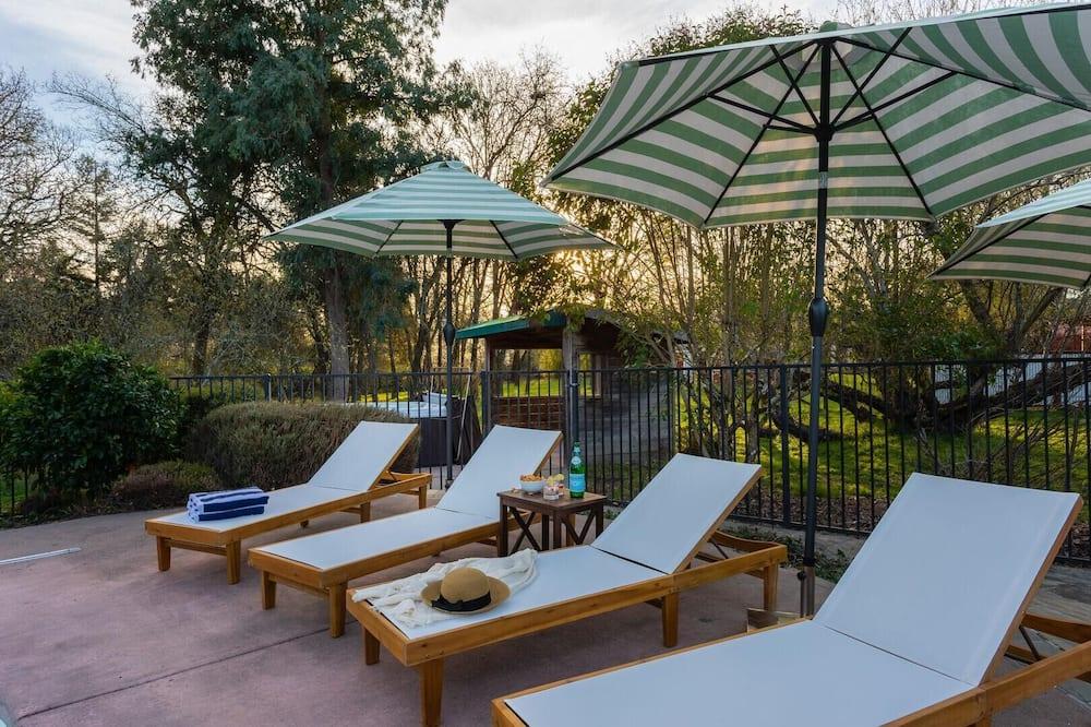 בית, מספר מיטות (Mockingjay - Peaceful Ranch Home w Sp) - בריכה
