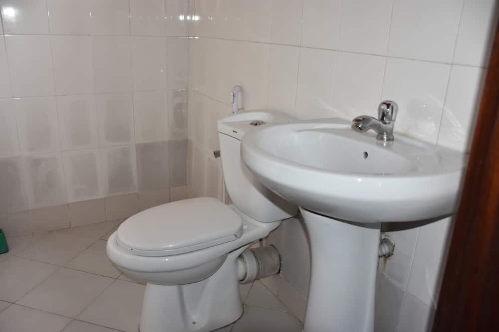 Basic Δίκλινο Δωμάτιο (Double) - Μπάνιο