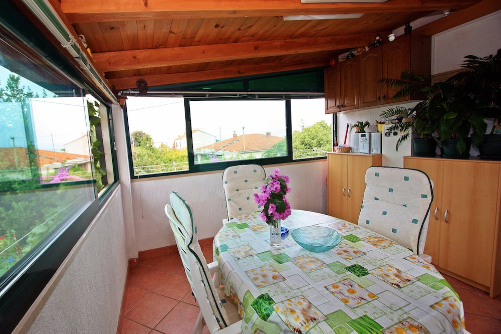 Căn hộ (Three Bedroom Apartment with Terrace) - Ăn uống tại phòng