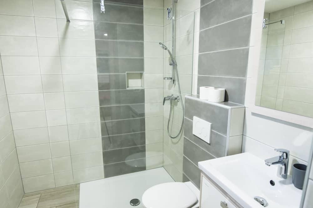 Twin Room (Twin room) - Bathroom