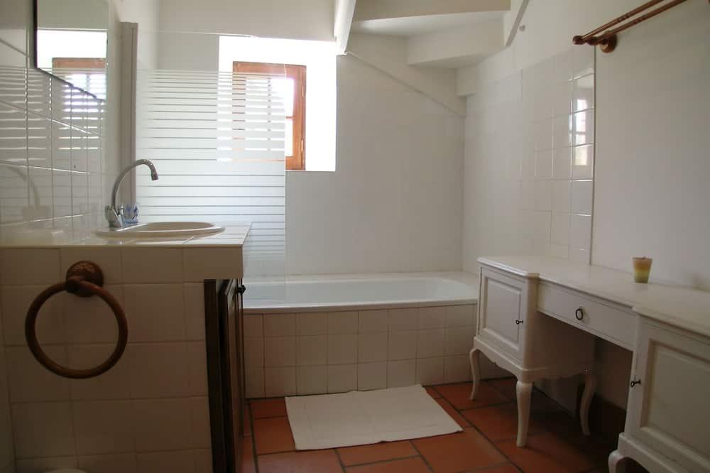 Dom typu Exclusive, vlastná kúpeľňa - Kúpeľňa