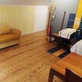 Cottage, 2 Queen Beds - Living Room