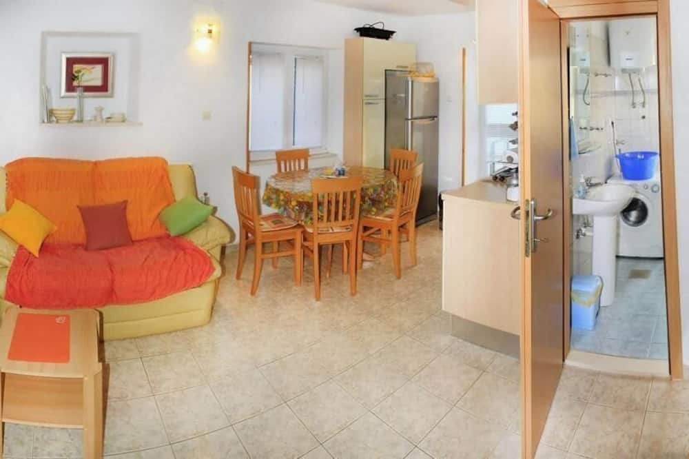 Apartment (Two Bedroom Apartment with Terrace) - Bathroom