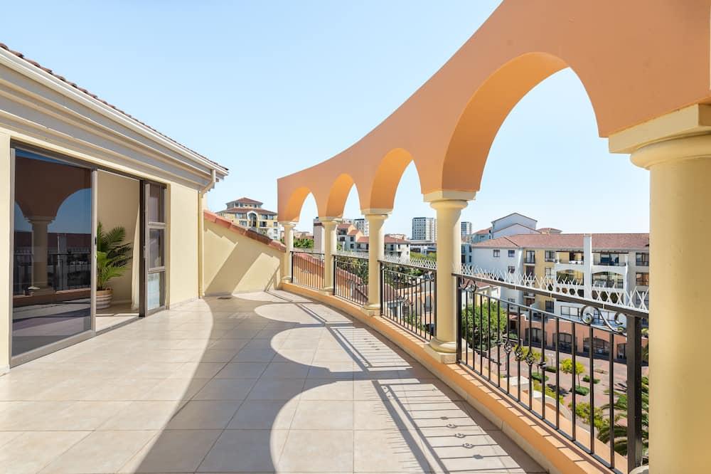 Prabangaus stiliaus apartamentai - Balkonas