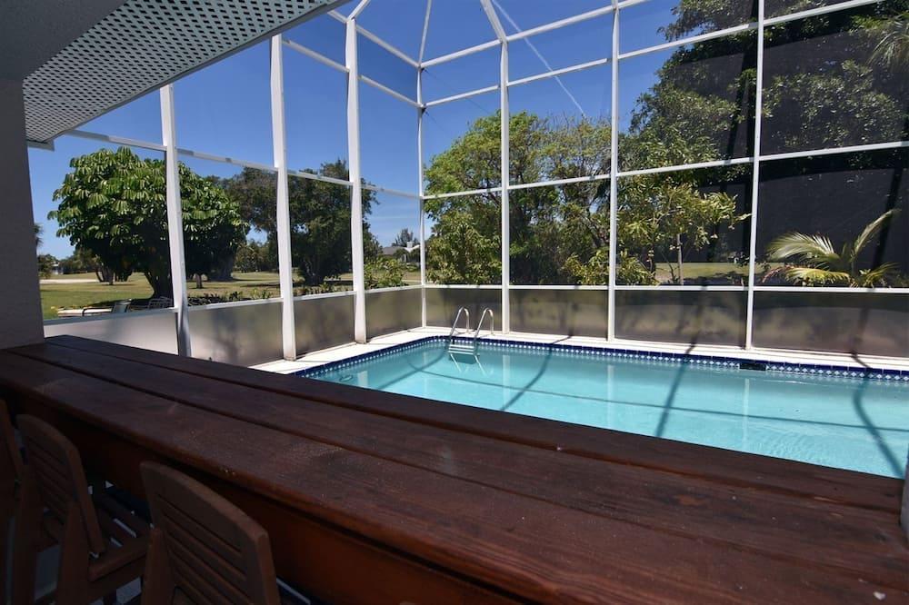 House (Chip Shot) - Pool