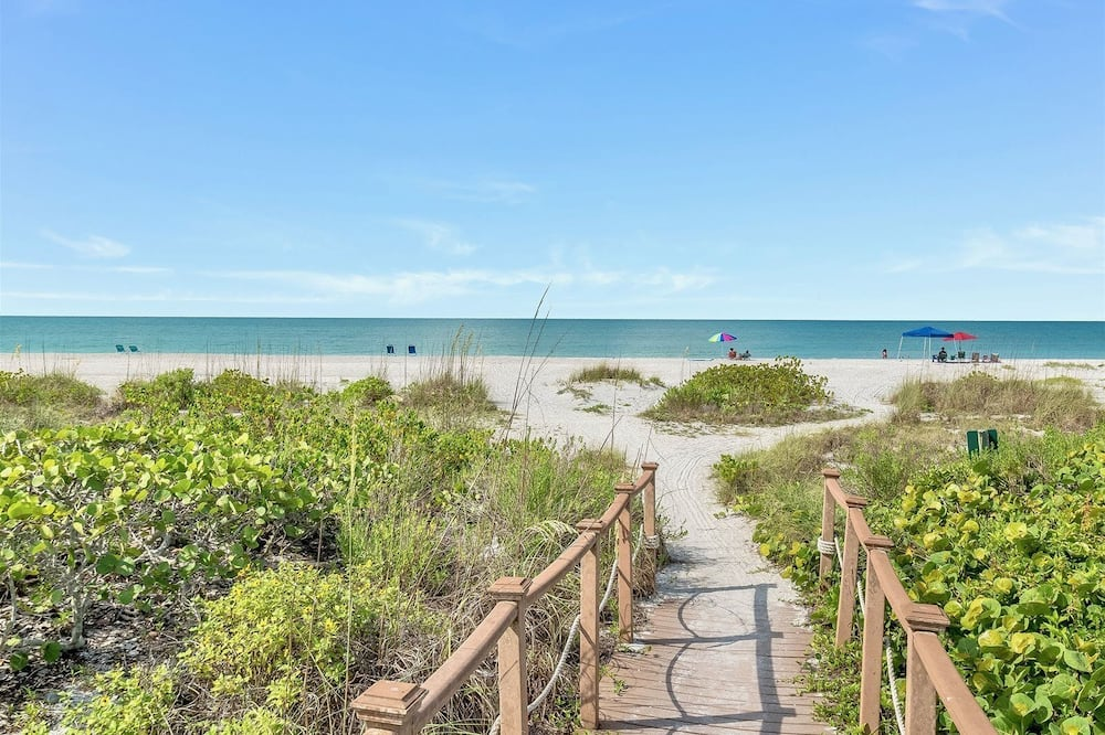Condo (Sand Pointe 212) - Beach
