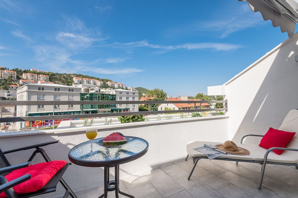 Lejlighed (One Bedroom Apartment with Balcony) - Altan