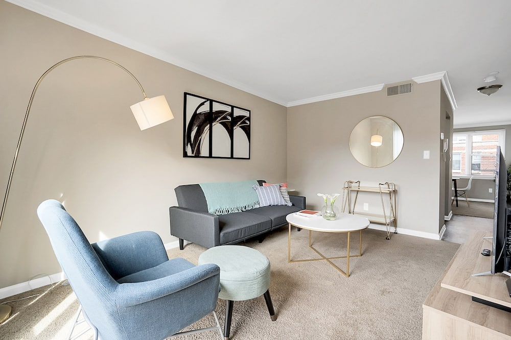 Comfort Apartment, 2 Bedrooms, Non Smoking, 2 Bathrooms - Living Area