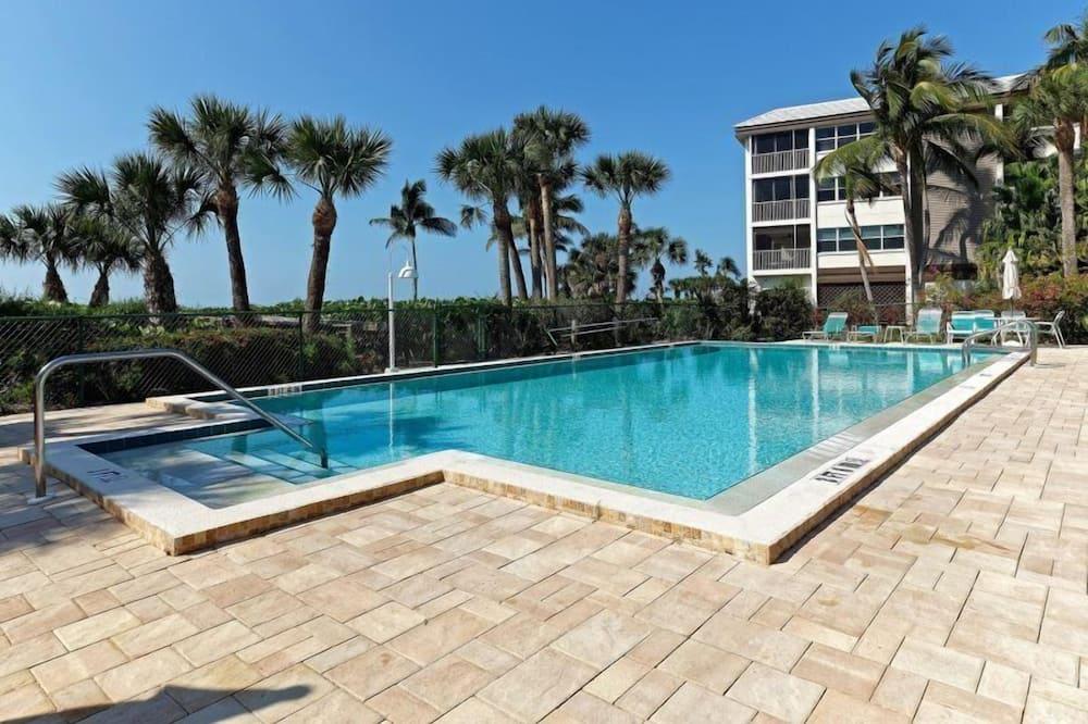 Condo (Surfside 12 C4) - Pool
